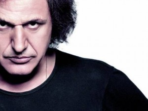 Singer V.Papakonstantinou against water privatization